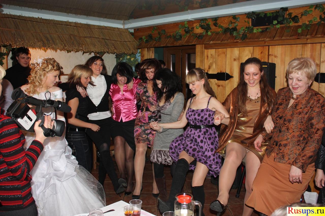Фото в чулках на вечеринке, Порно фото на вечеринках все перетрахались 11 фотография