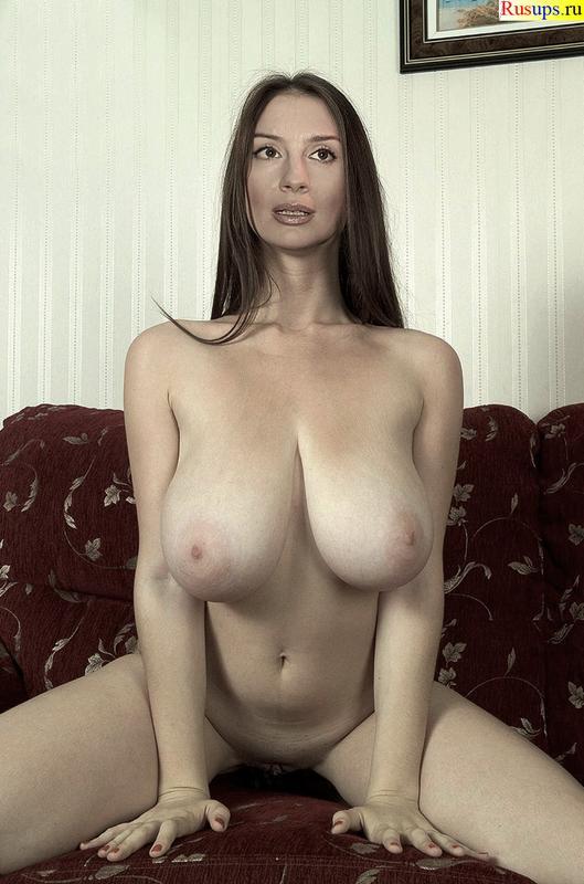 strizhenova-ekaterina-golaya-video-smotret